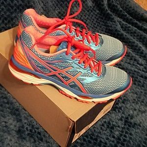 Womens Asics gel-cumulus 18 running shoes